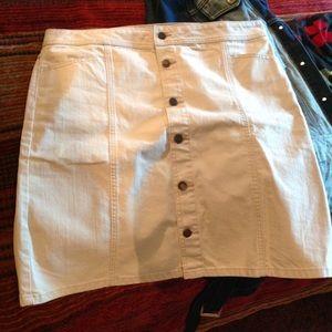 Old Navy cream white denim skirt